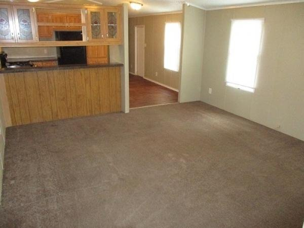 1998 SILVER CREEK HOMES Mobile Home For Sale