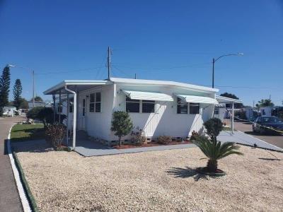 Mobile Home at 4125 Park St N.  Lot 715 Saint Petersburg, FL 33709