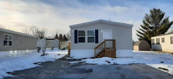 2021 Clayton -  Middlebury Mobile Home For Rent