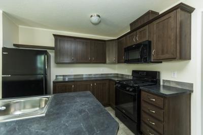 Mobile Home at 57613 Fuller Ct Lot 424 Lenox, MI 48048