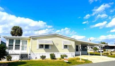 Mobile Home at 1021 Lakeshore Dr Wildwood, FL 34785