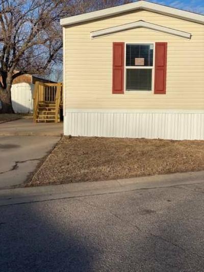 Mobile Home at 2320 E Macarthur Rd Wichita, KS 67216