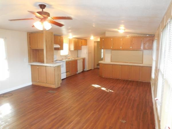 1996 CMH MANUFACTURING INC Mobile Home For Sale