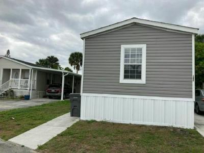 Mobile Home at 358 Summer Circle Palm Beach Gardens, FL 33410