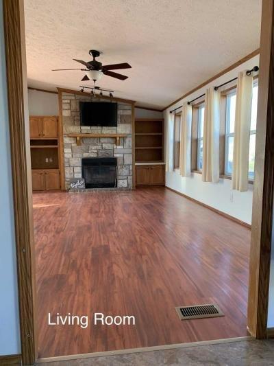 Mobile Home at 10326 Old Leo Rd, Lot 82 Fort Wayne, IN 46825