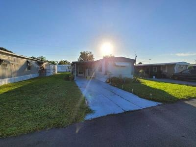 Mobile Home at 5620 Lake Lizzie Dr Lot 5 Saint Cloud, FL 34771