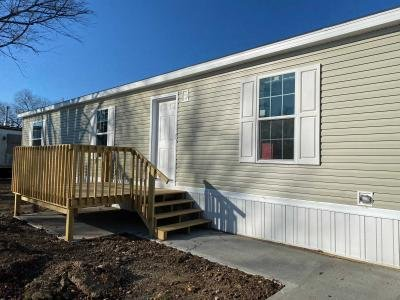 Mobile Home at 10610 East St Rt 762 #12 Lockbourne, OH 43137