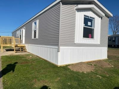 Mobile Home at 10610 East St Rt 762 #127 Lockbourne, OH 43137
