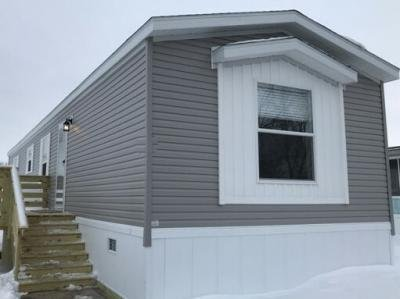 Mobile Home at 061 Golfview Court North Liberty, IA 52317