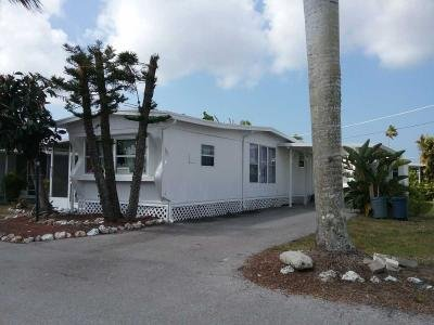 Mobile Home at 2132 Orchid Court Naples, FL 34110