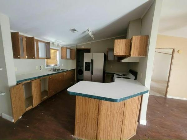 1999 LIMI Mobile Home For Sale