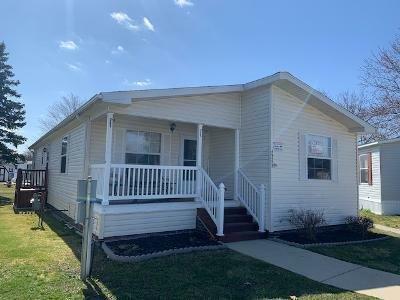 Mobile Home at 49573 Au Lac Dr E Chesterfield, MI 48051