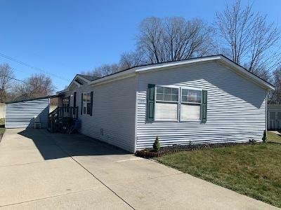 Mobile Home at 23325 Stone Castle Clinton Township, MI 48036