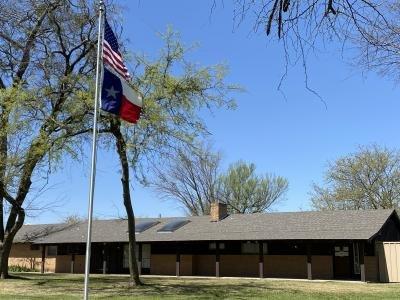 Mobile Home at 1501 Polar Trail Glenn Heights, TX 75154