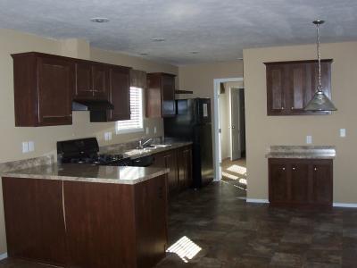 Mobile Home at 400 Silverleaf Lane Altoona, IA 50009