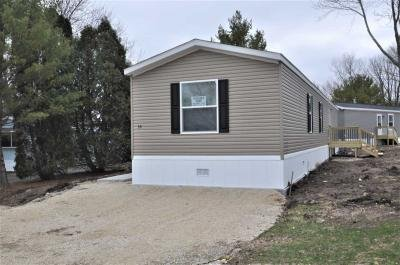 Mobile Home at 53 Meadowbrook Park Iron Ridge, WI 53035