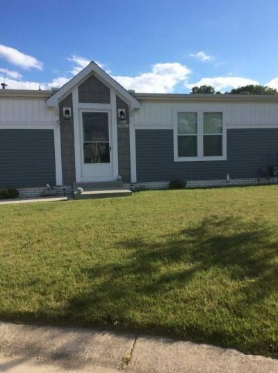 Mobile Home at N114W20941 Meadowbrook Ct Germantown, WI 53022