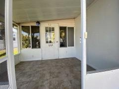 Photo 4 of 33 of home located at 1313 Quarterdeck Circle, Lot 33 Ruskin, FL 33570