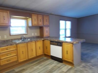Mobile Home at 5001 South Ave Lot 28 Toledo, OH 43615