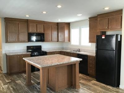 Mobile Home at 1233 Peach Elkhart, IN 46514