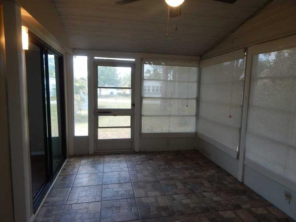 1988 Homes of Merit Mobile Home For Sale