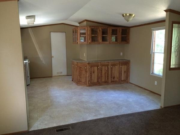 2005 CAPPAERT Mobile Home For Rent