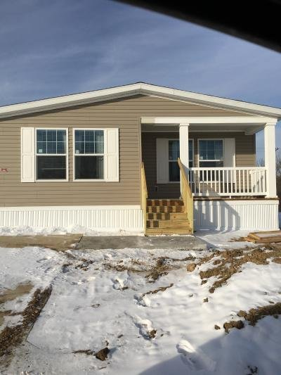 Mobile Home at 802 E County Line Rd, #289 Des Moines, IA 50320