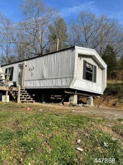 Mobile Home at 326 Happy Hollow Hill Rd Middlesboro, KY 40965