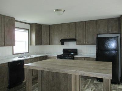 Mobile Home at 23744 Pheasant Run Lot 31 New Boston, MI 48164