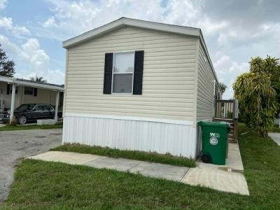 Mobile Home at 401 S.w. 135th Avenue Davie, FL 33325