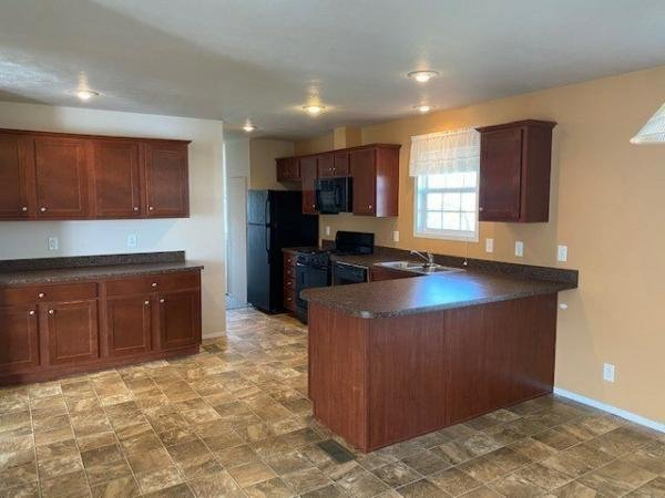 2012 Crest Homes - Middlebury Mobile Home For Sale