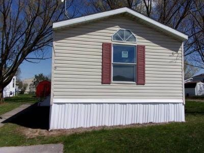 Mobile Home at 1823 Oak Tree Rd Kendallville, IN 46755