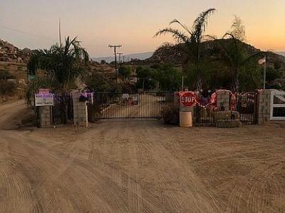 Mobile Home at 24473 El Baquero Perris, CA 92570
