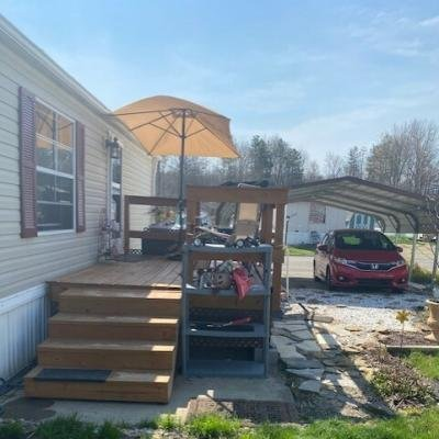 Mobile Home at 1027 South Park Drive Brookfield, OH 44403