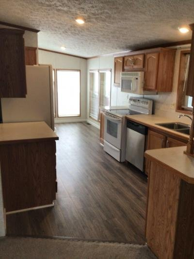 Mobile Home at 715 S.holland-Sylvania Lot 9 Toledo, OH 43615