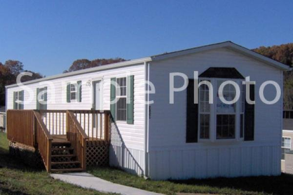 2009 OAK CREEK HOMES INC Mobile Home For Sale