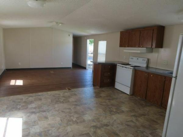 2000  Mobile Home For Sale