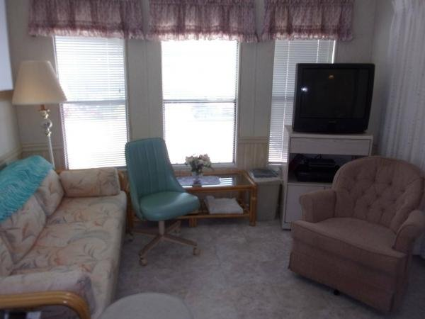 1990 CENT Mobile Home For Sale