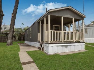 Mobile Home at 8868 E 18th Pl Lot 50 Kansas City, MO 64126
