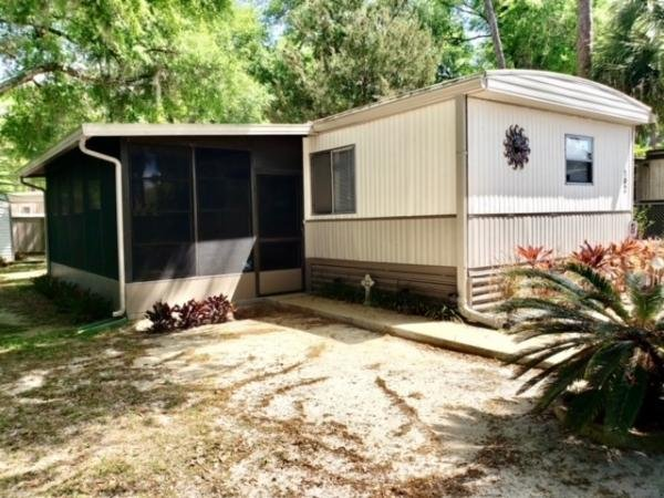 1981 Oakbrook Mobile Home