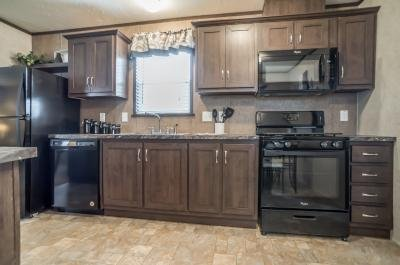 Mobile Home at 46222 Chateau Thierry W, Site #555 Macomb, MI 48044