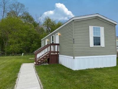 Mobile Home at 1145 Harmonia Dr Lot 103 Springfield, MI 49015