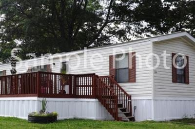 Mobile Home at 6026 Skipton Lot 323 Grand Rapids, MI 49548