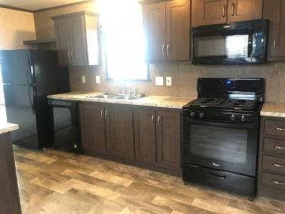 Mobile Home at 46587 Dunnellon Dr East, Site #1267 Macomb, MI 48044