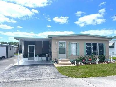 Mobile Home at 13140 Lemon Ave Grand Island, FL 32735
