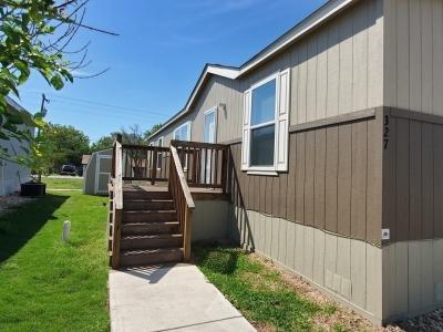 Mobile Home at 327 Lookout Ridge Lp San Marcos, TX 78666