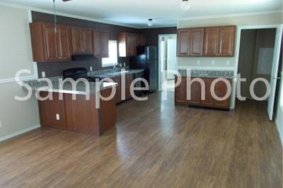 Mobile Home at 6026 Skipton Lot 323 Grand Rapids, MI 49548