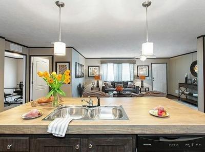 Mobile Home at 39058 Brooks Lot 86 New Boston, MI 48164