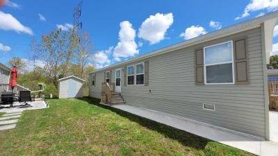 Mobile Home at 24058 Manchester Dr Flat Rock, MI 48134