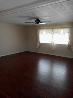 Photo 2 of 8 of home located at Site #57, 9241 49th Terr. N. Saint Petersburg, FL 33708